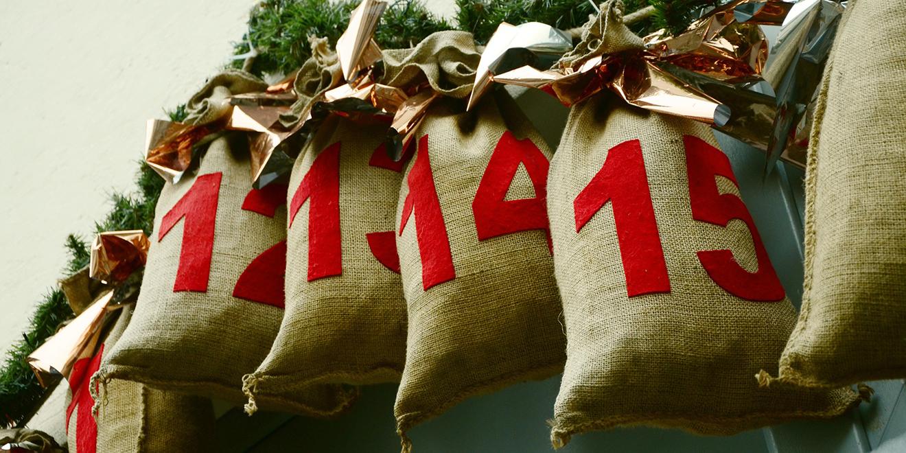 Weihnachten, Advent, Adventszeit, Adventskranz, Weihnachtsbaum, Nikolaus, Kerzen, Weihnachtsgeschenke, Weihnachtszeit, Advent feiern, Bräuche Advent, Bräuche zu Weihnachten, Geschichte Advent