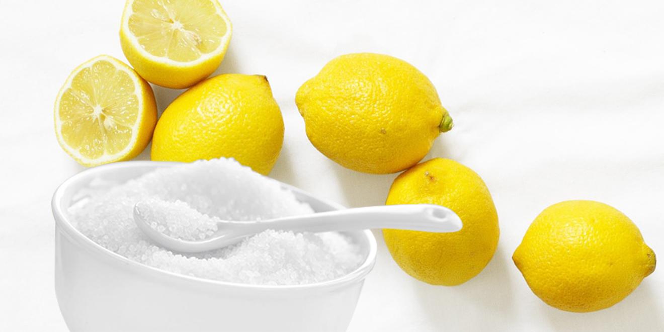 Schweißgeruch in Textilien, Schweißgeruch entfernen, Schweißflecken entfernen, Mief, Schweißgeruch aus Kleidung entfernen, Zitronensäure, weiße Wäsche, helle Kleidung