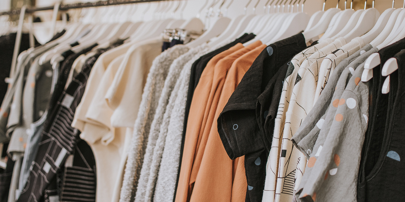 Schweißgeruch in Textilien, Schweißgeruch entfernen, Schweißflecken entfernen, Mief, Schweißgeruch aus Kleidung entfernen