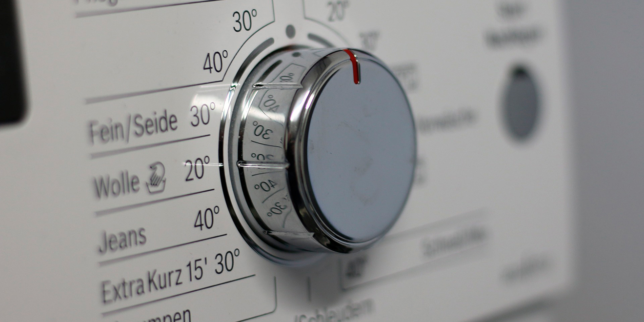 Richtig Waschen, Kleidung und Umwelt schonen, Energie und Wasser sparen, Waschen, Tricks, Tipps, Waschmaschine, Wäsche, Kleidung, Richtig, Pflege, Umwelt, Schonend, Weichspüler, Waschmittel, Weichspüler
