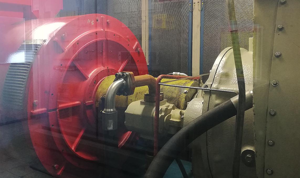 Generator in der Gasturbine im Kesselhaus von Trigema in Burladingen