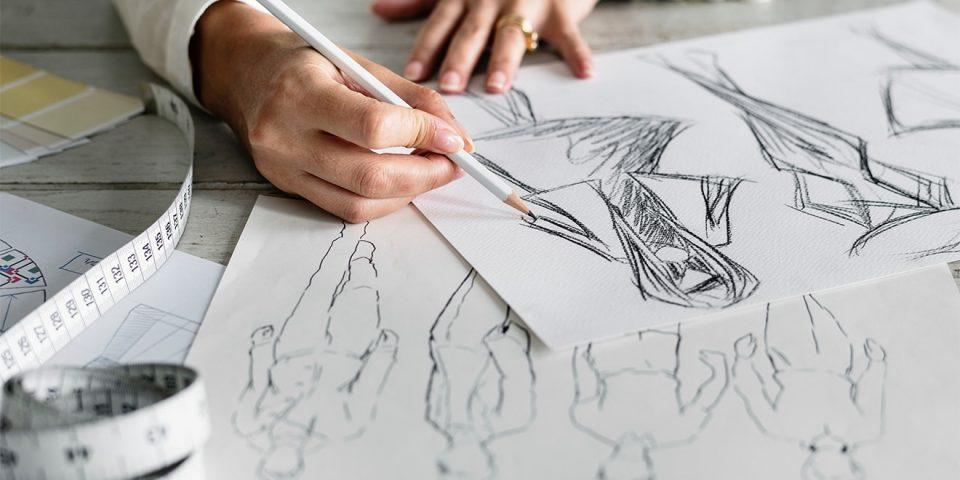Zeichnungen eines Modedesigns.