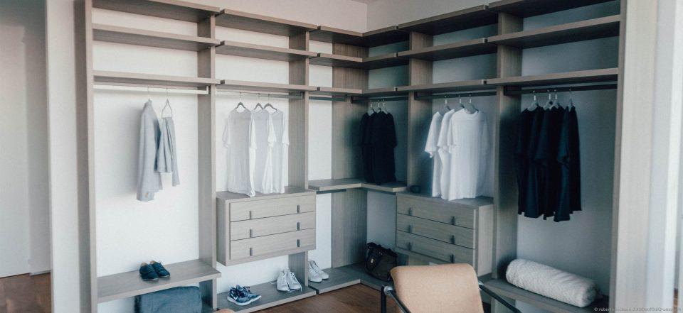 Je größer der Kleiderschrank, desto größer das Verlangen, ihn zu füllen.