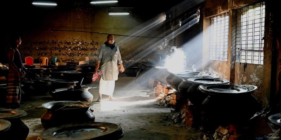 Färben von Textilien in Bangaldesch ist giftig und krebserregend