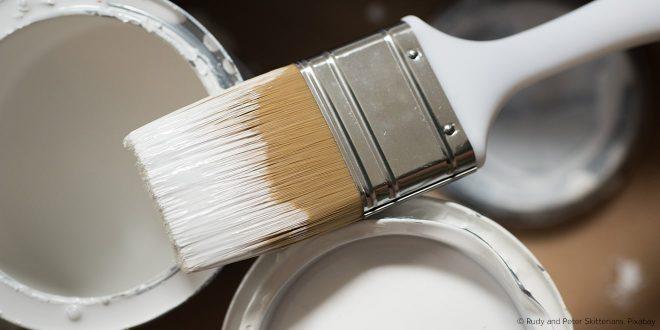 Besonders Maler haben oft mit PFC zu tun: In wetterfesten Farben und Lacken, ist oft und viel PFC enthalten. Das wirkt sich auf die Lungen, Nieren und Leberaus.