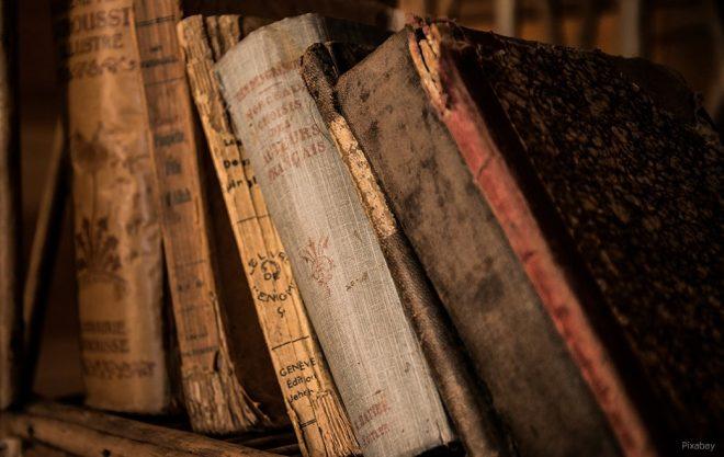 Sprachen, die nicht schriftlich überliefert werden, sterben aus.